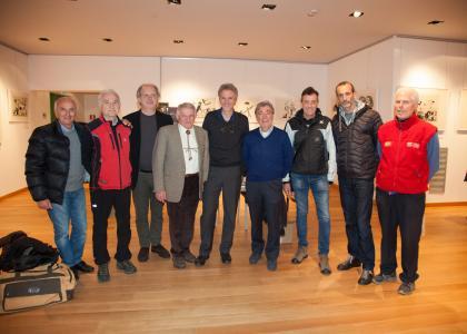 Il Presidente Regionale Renato Aggio con l'autore ed i soci