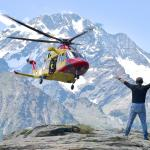 Rifugio Longoni Elia coordina l'atterraggio del soccorso