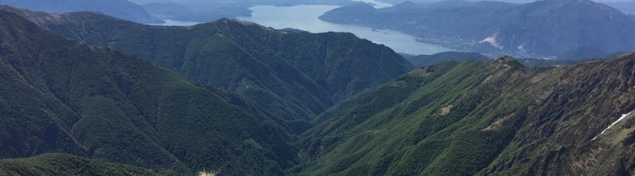 Cima della Laurasca panorama do vetta verso S