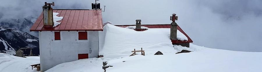 Rifugio Longoni in inverno