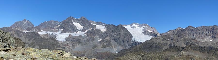 Panorama di vetta verso il Bernina